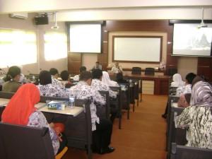 Rapat Koordinasi pelaksanaan PPL dengan Kepala Sekolah Dasar